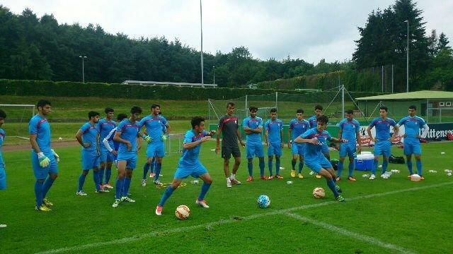 تیم ملی فوتبال جوانان به منامه سفر کرد