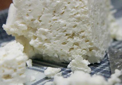 واقعا پنیر آدم را کند ذهن می&zwnjکند؟؟